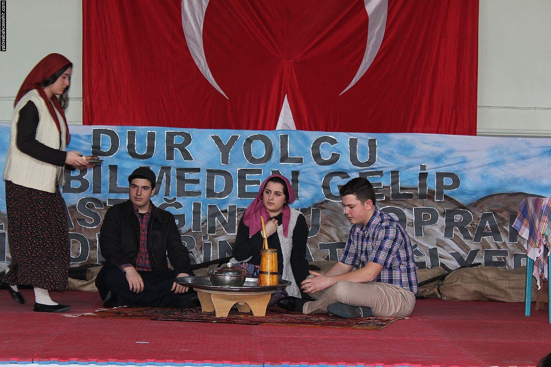 Yalova Bahçeşehir Koleji'nde Çanakkale Şehitlerine Saygı